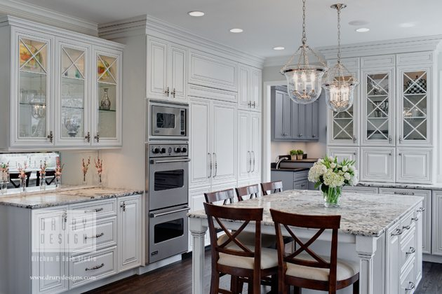 Attractive Featured In U201cTraditional White Kitchens Loved By Houzzu201d More Than 244,000  Houzzers Agree This Glen Ellyn Kitchen Is A Hub Of Inspiration, From The  Delicate ...