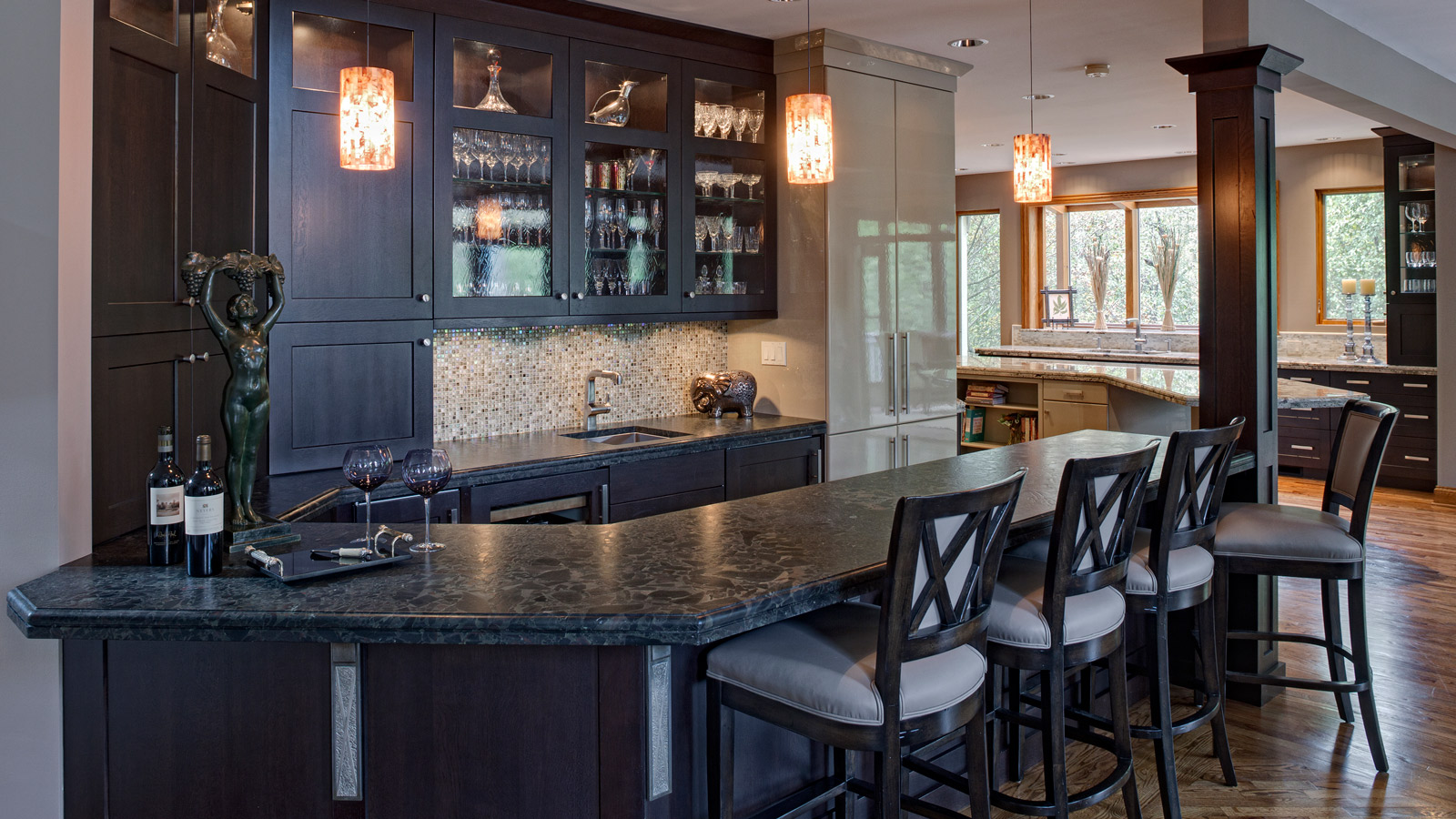1600-x-900-Award-Winning-Glen-Ellyn-Kitchen-in-Transition-drury-design4