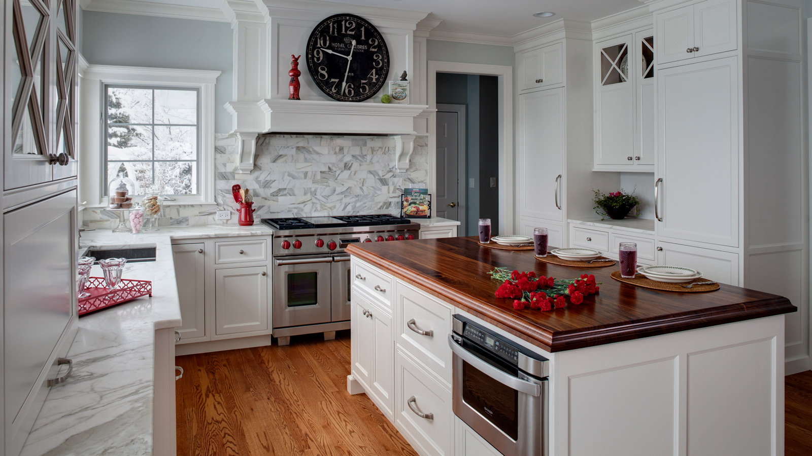 Classic traditional barrington kitchen remodel drury design for Classic traditional kitchen