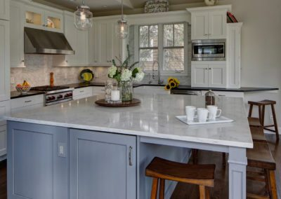 Classically Inspired Traditional Kitchen Design – Lombard