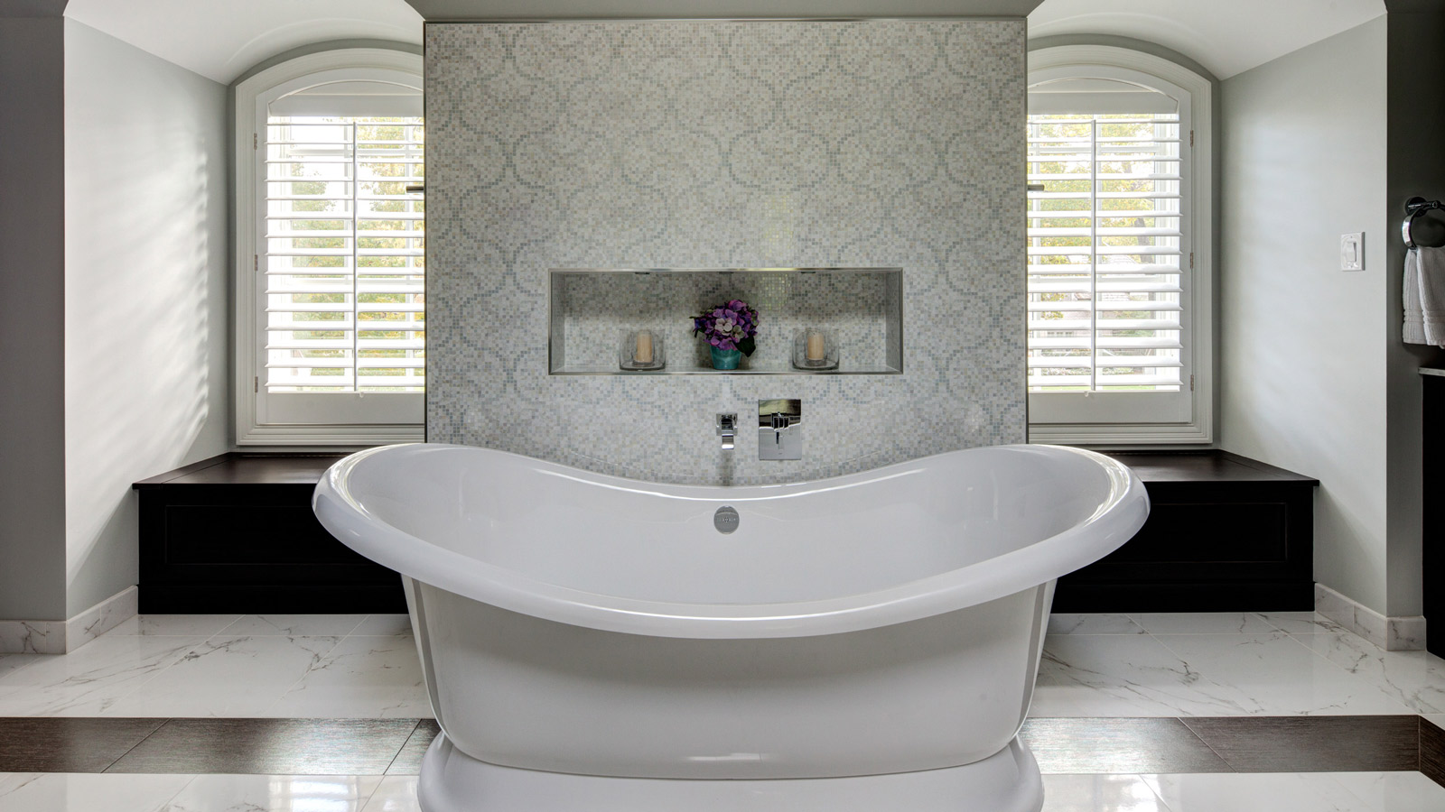 Elegant master bath suite drury design for 1600 bath suite