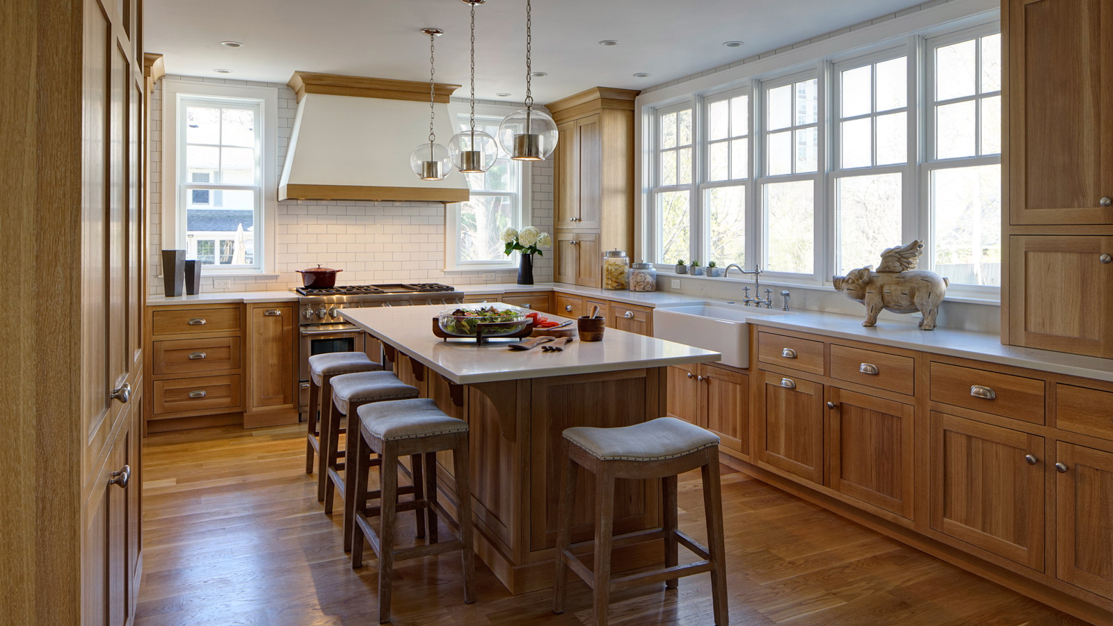 1600-x-900-Traditional-Kitchen-with-a-Fresh-Perspective-Lombard-IL-drury-design