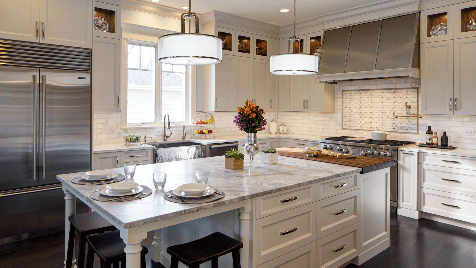 Exceptionnel Open Concept Kitchen Featuring Rutt Cabinetry