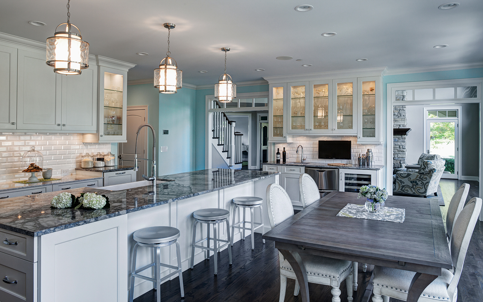 Airy and Open Kitchen Design
